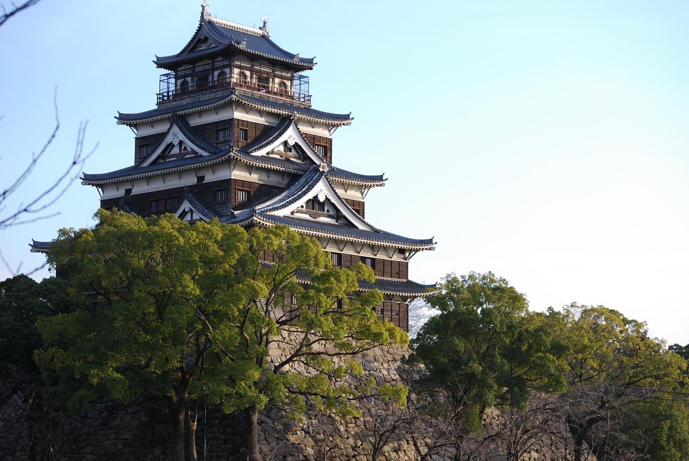 望遠で広島城の天守閣その2