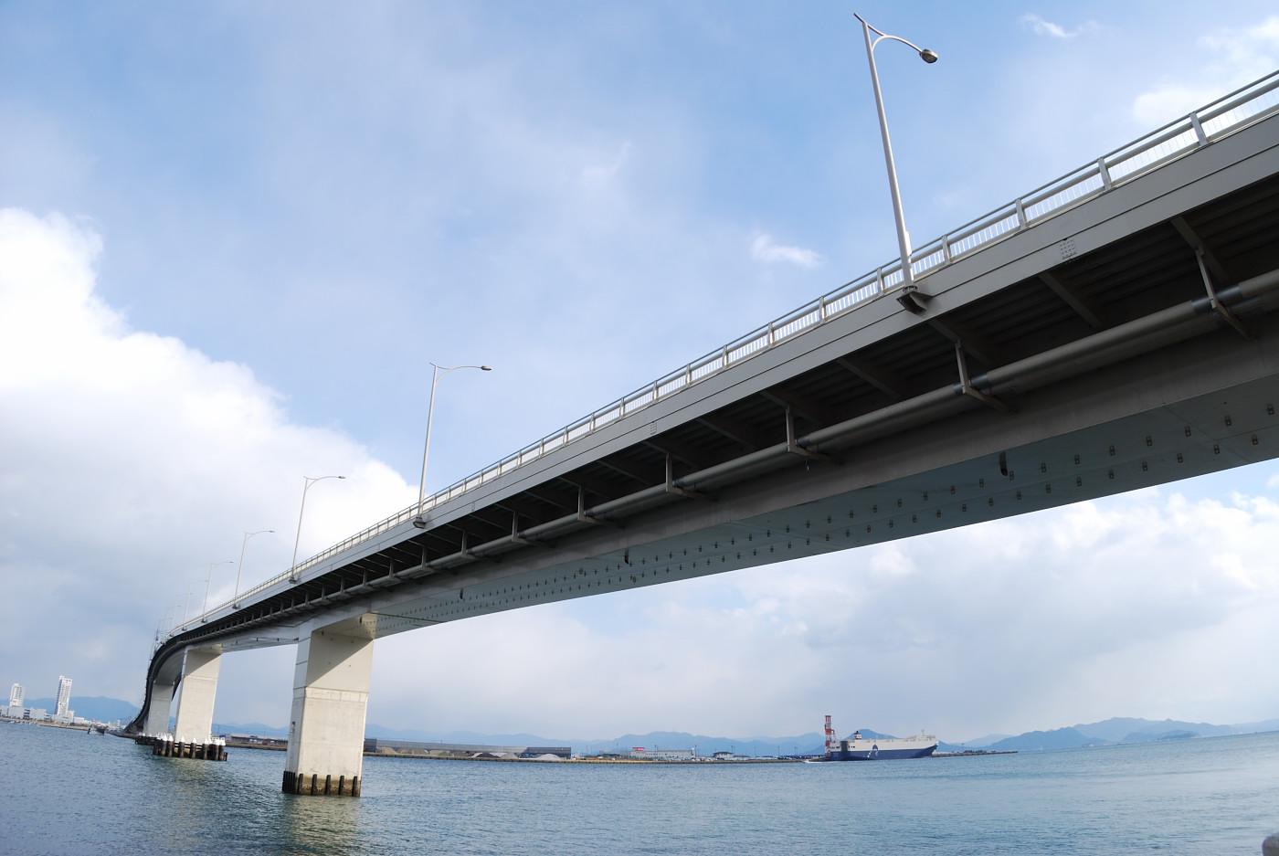 広島はつかいち大橋を広角でもうちょっと寄ってみた
