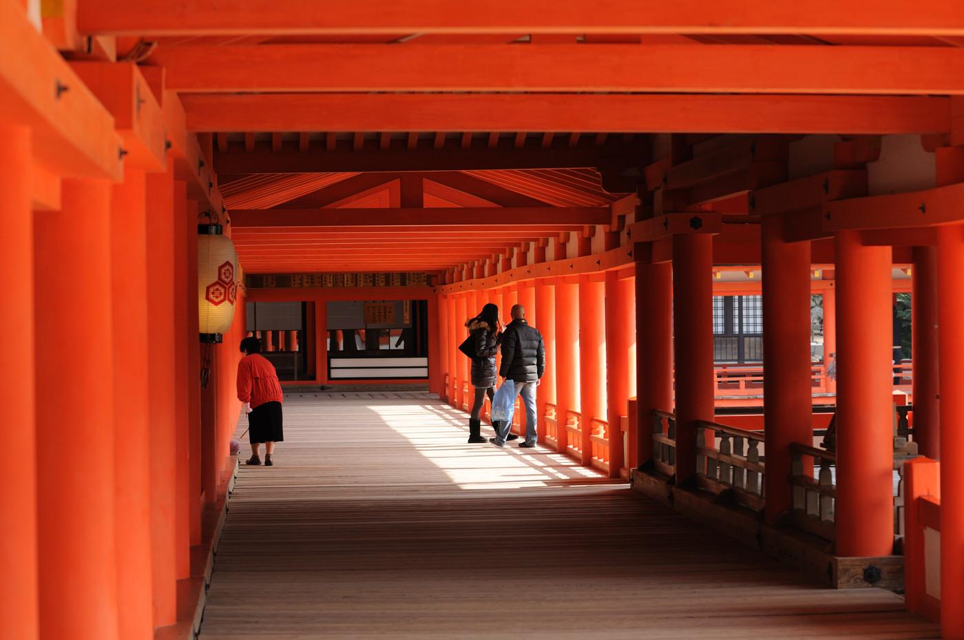 厳島神社内部に潜入