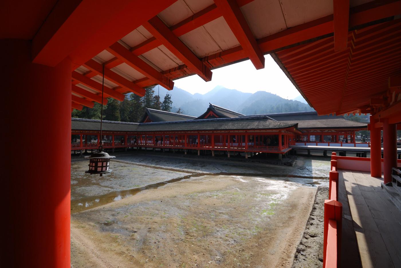 厳島神社の中から撮影その1