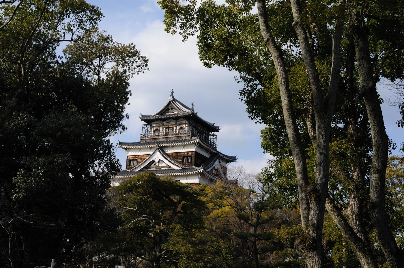 広島城の天守閣を標準で