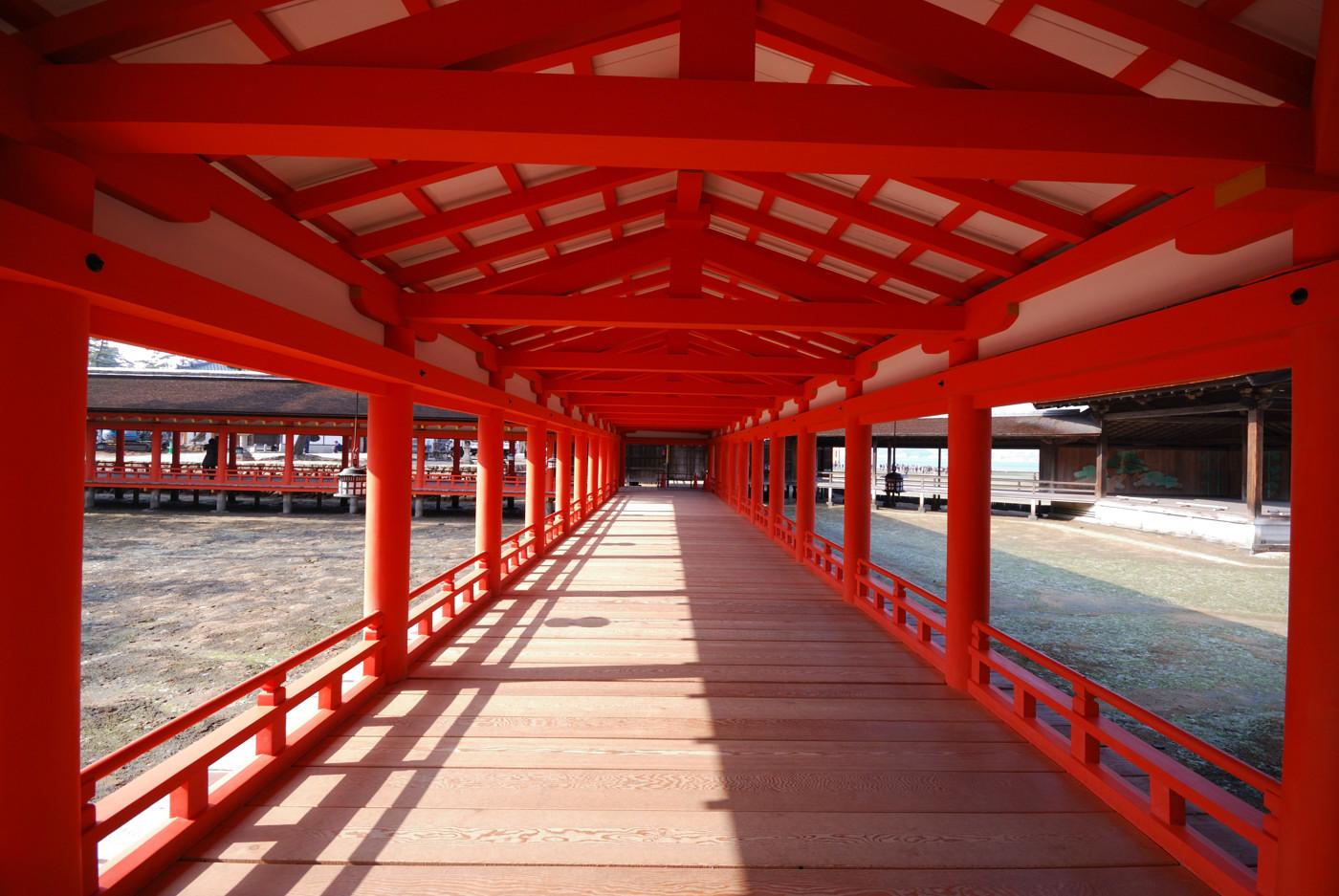 厳島神社の廊下?