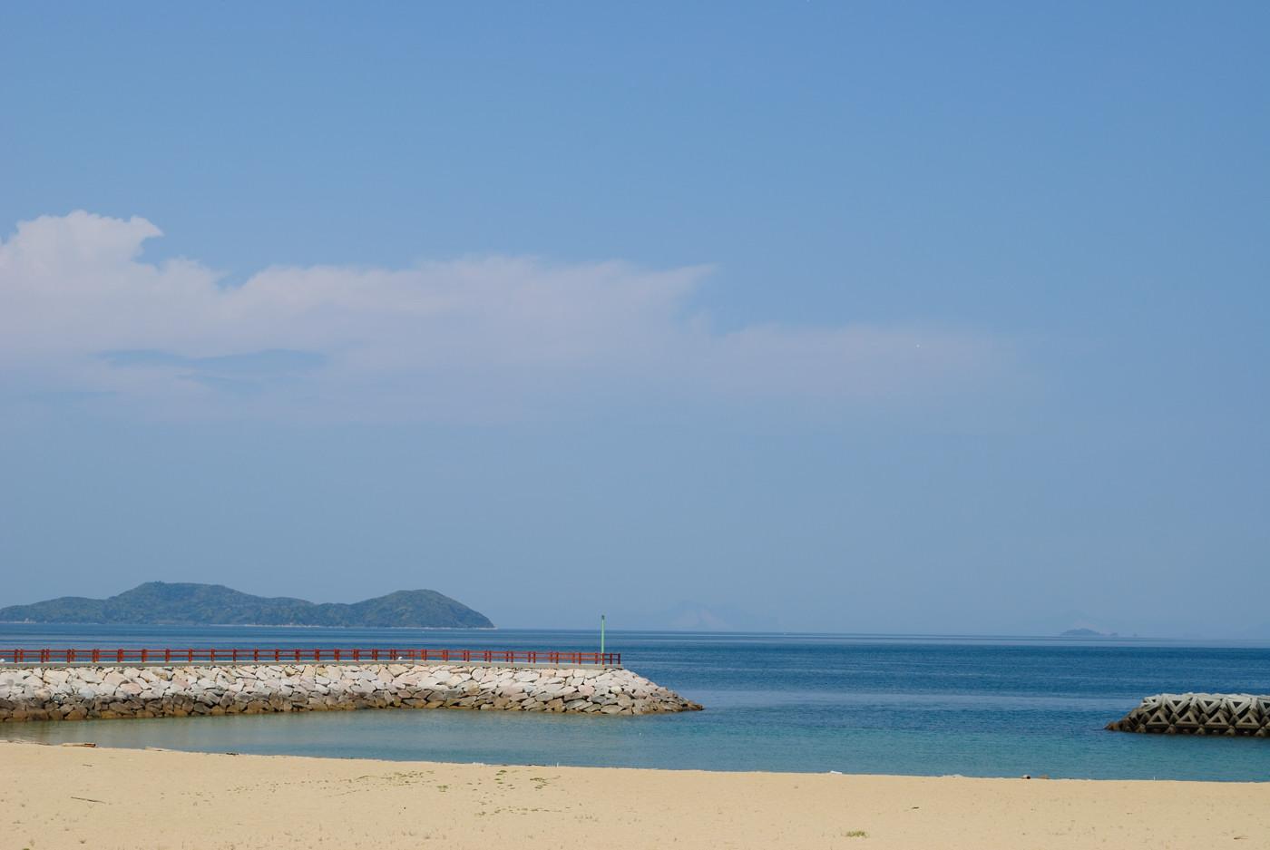 キレイな砂浜と海