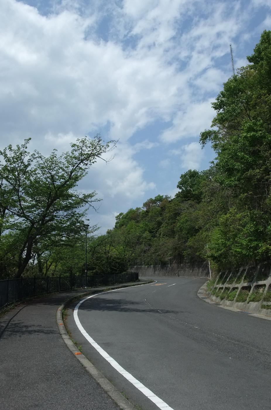 F200で黄金山への道