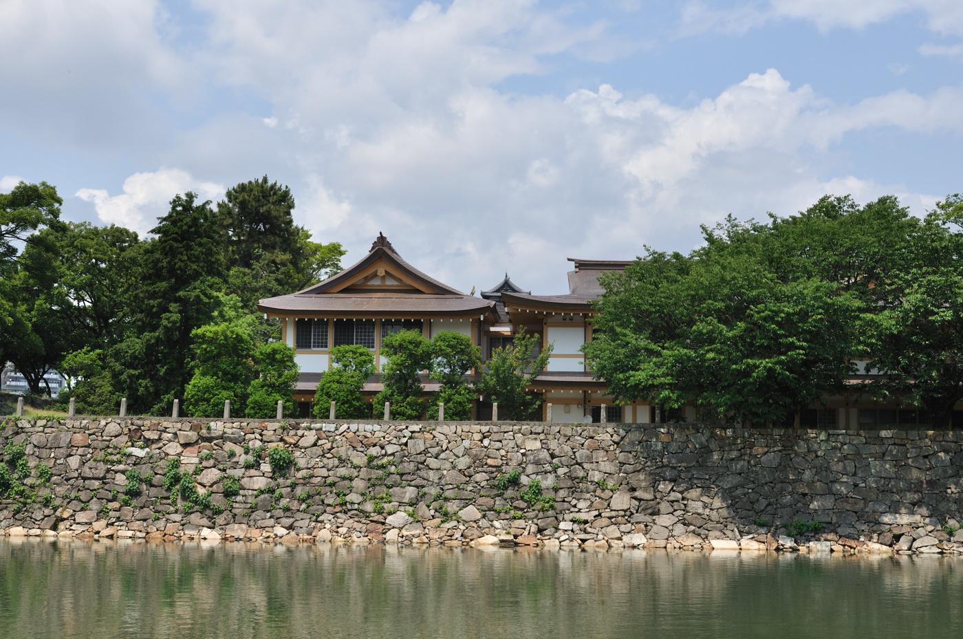 広島城の中にある神社