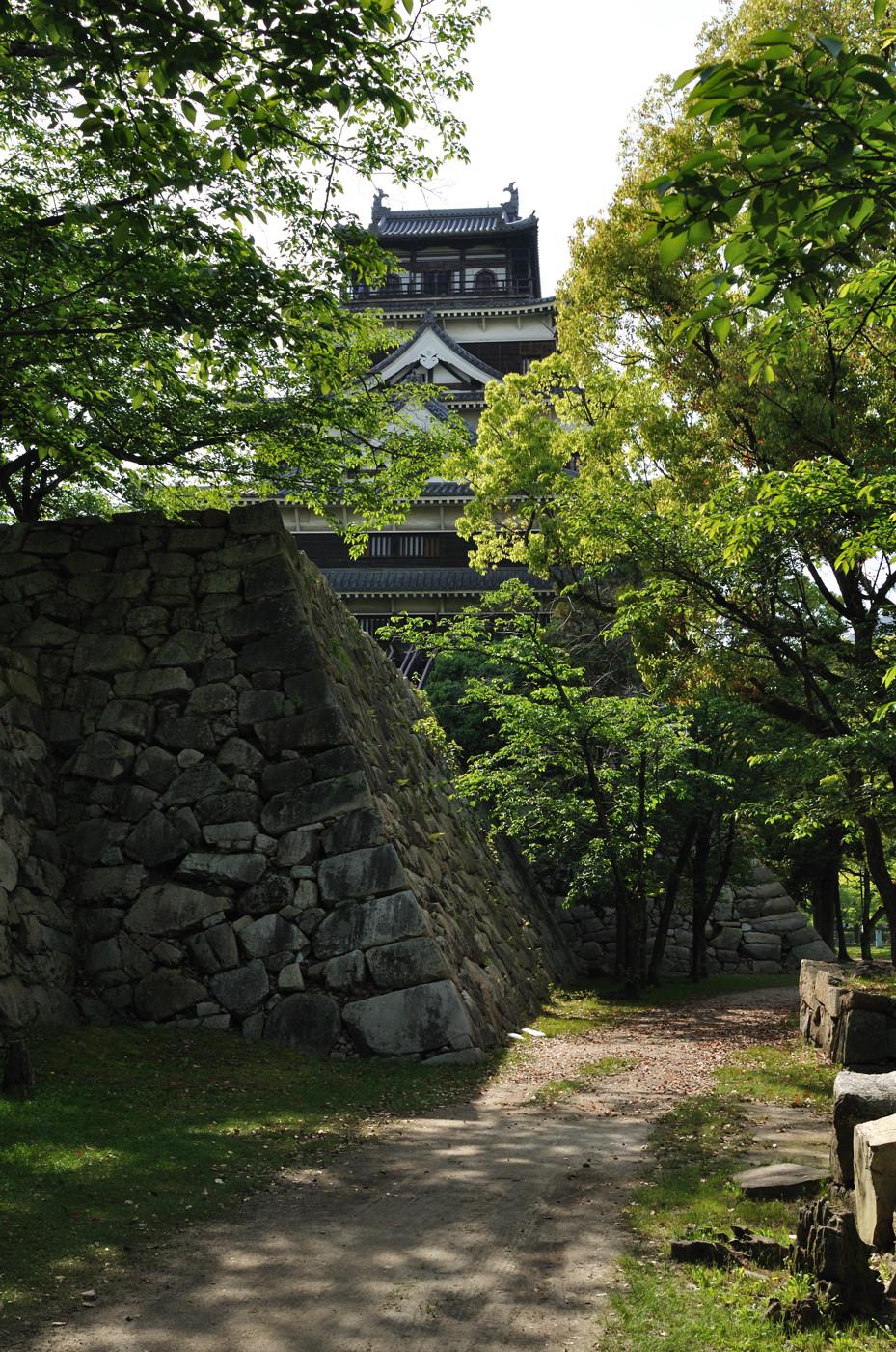 新緑と石垣その3