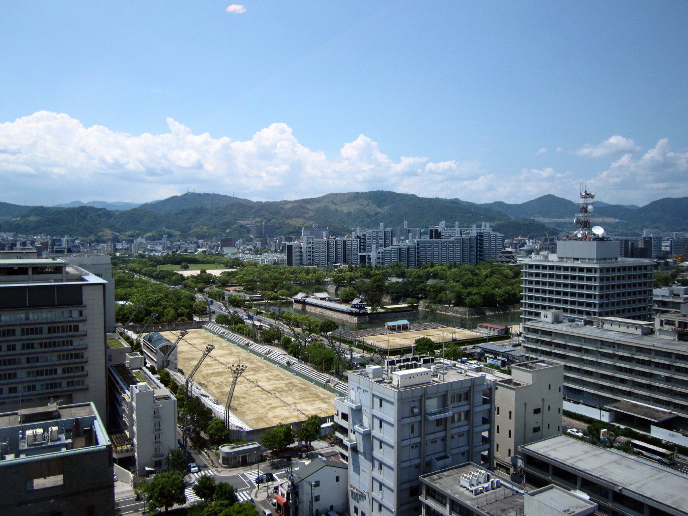 15階から広島城