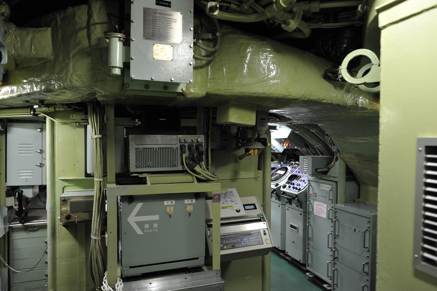 向こう側が操舵室