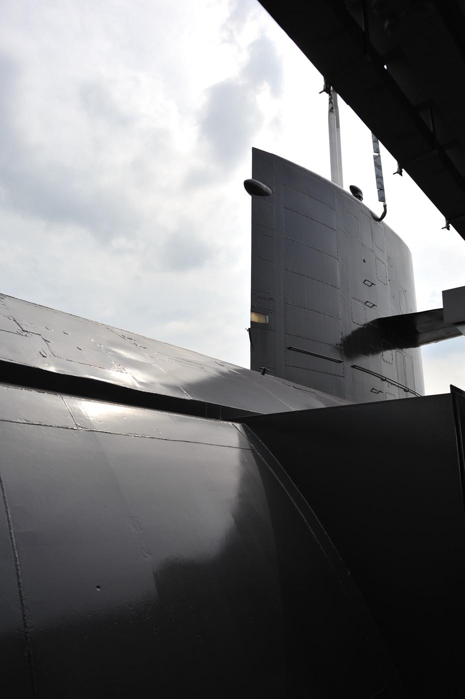 潜水艦の外に出ました