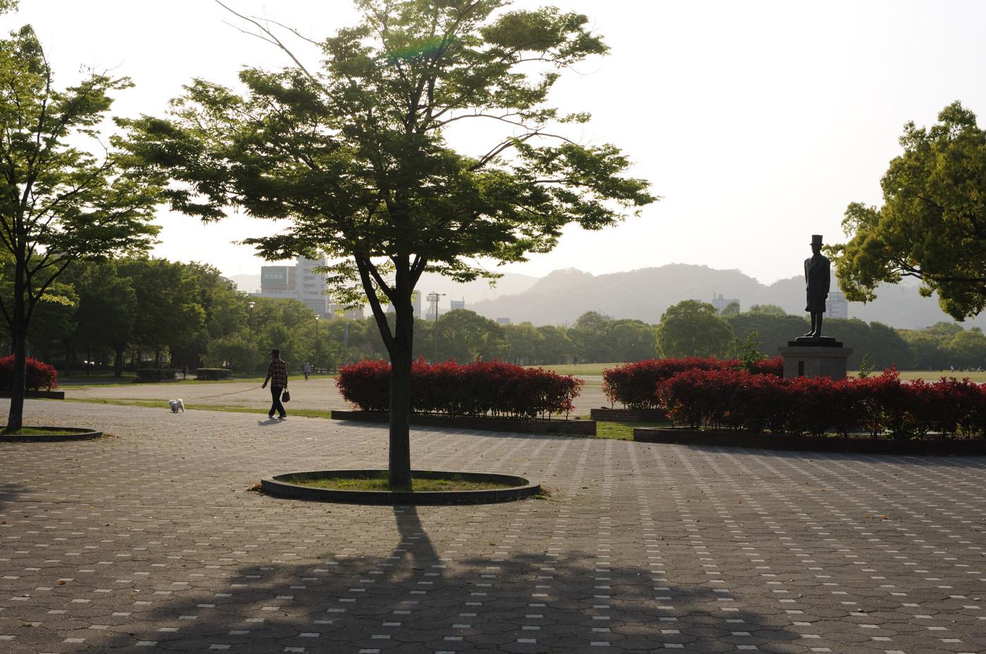 散歩と銅像とフレアでゲソ