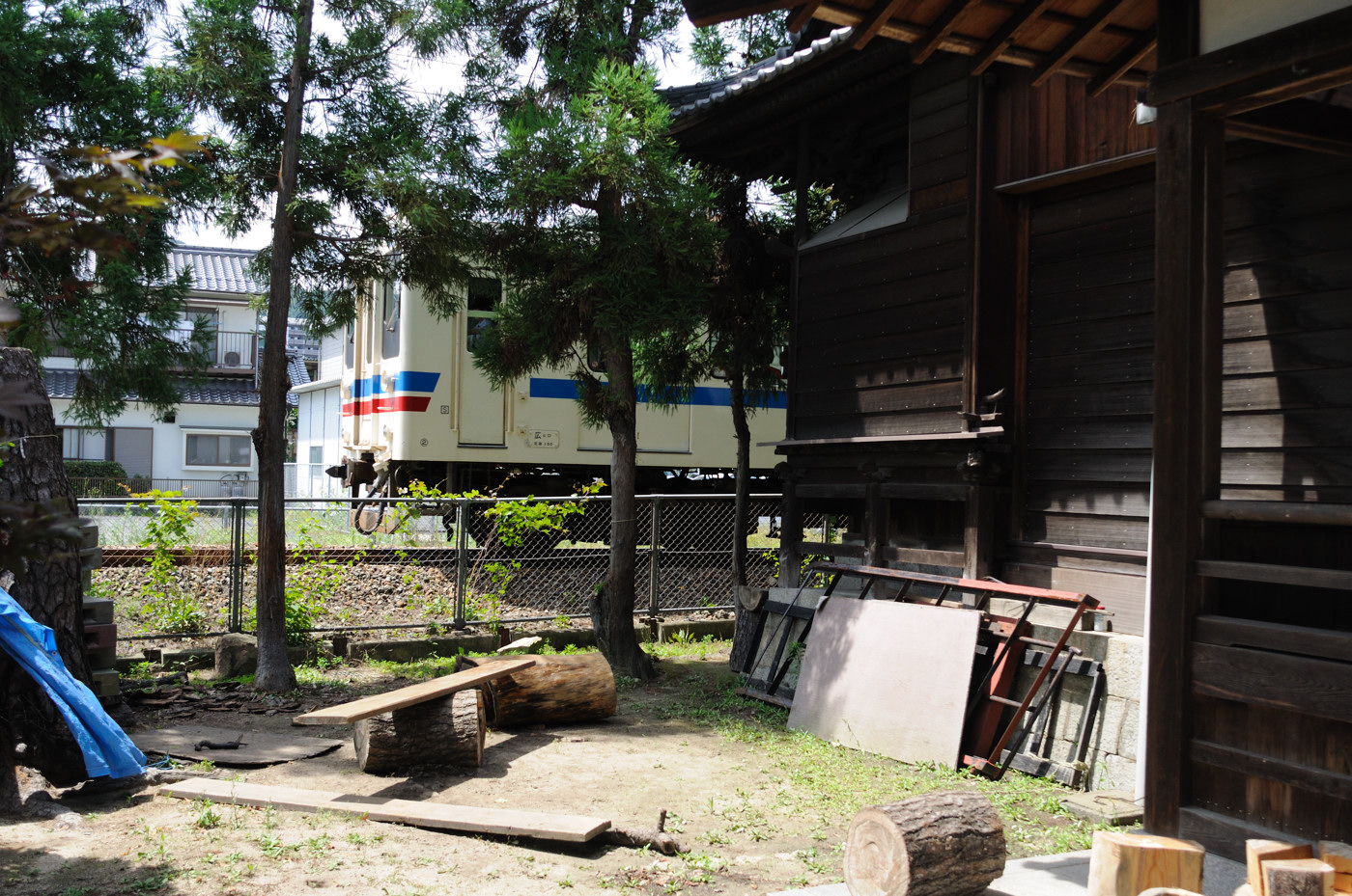 神社と電車でゲソ